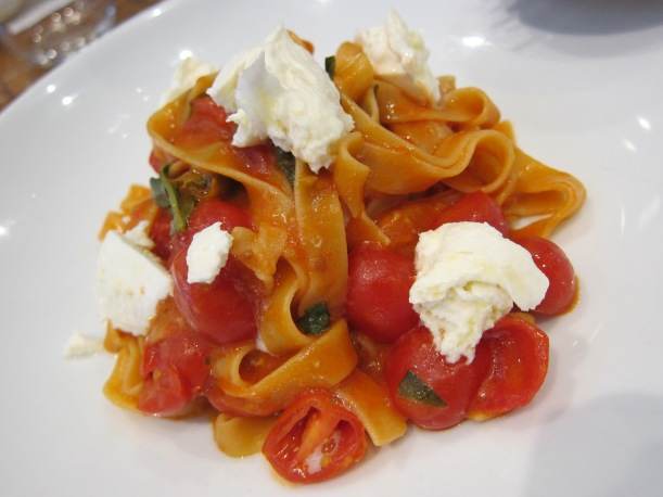 Tagliatelle with cherry tomatoes, buffalo mozzarella and basil