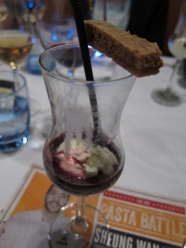 Olive Oil Gelato Float with salted caramel cookie bar and Lambrusco Sparkling Red wine sauce. This was a little overwhelming for my taste-buds, probably because I poured too much Lambrusco onto my gelato, but I found the sauce a bit strong. The cookie bar was scrumptious though.